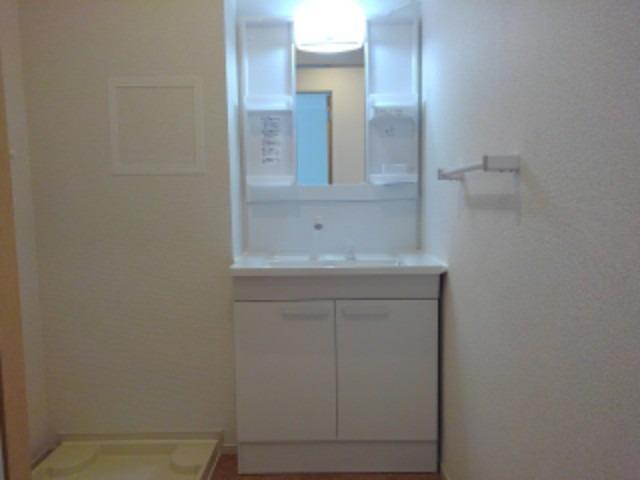 ラフレシール花見Ⅲ 02030号室の洗面所