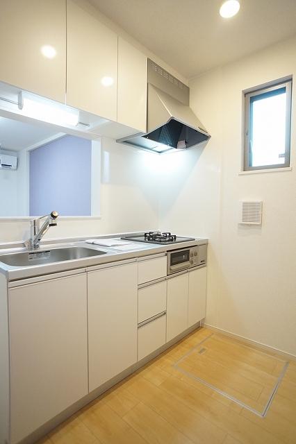 下宗岡2丁目アパート 01020号室のキッチン