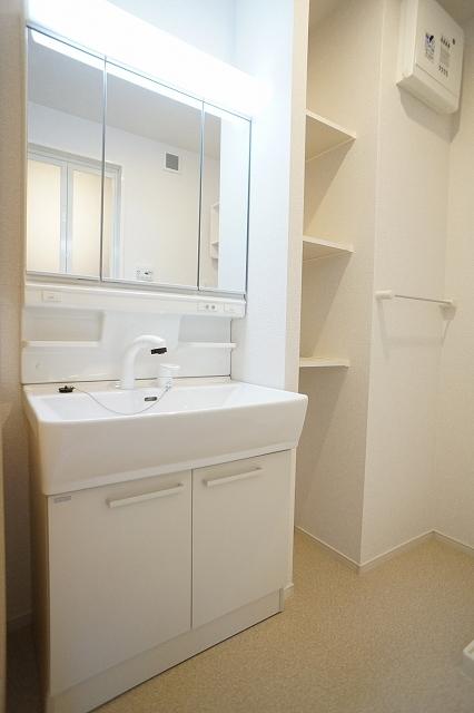 下宗岡2丁目アパート 01020号室の洗面所