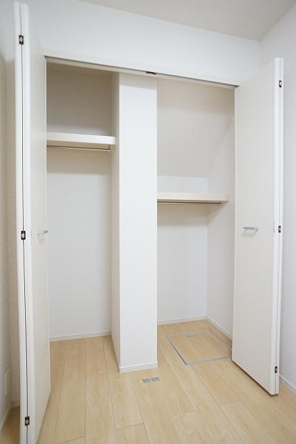 下宗岡2丁目アパート 01020号室のトイレ