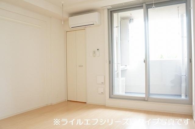 指扇マンション 02040号室の居室