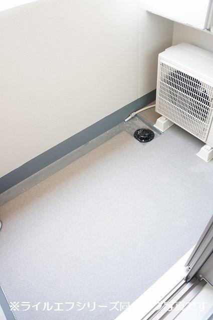 指扇マンション 02040号室のバルコニー