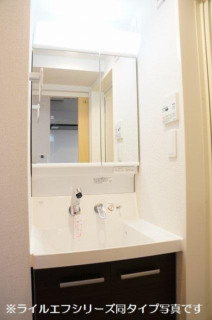 指扇マンション 03020号室の洗面所