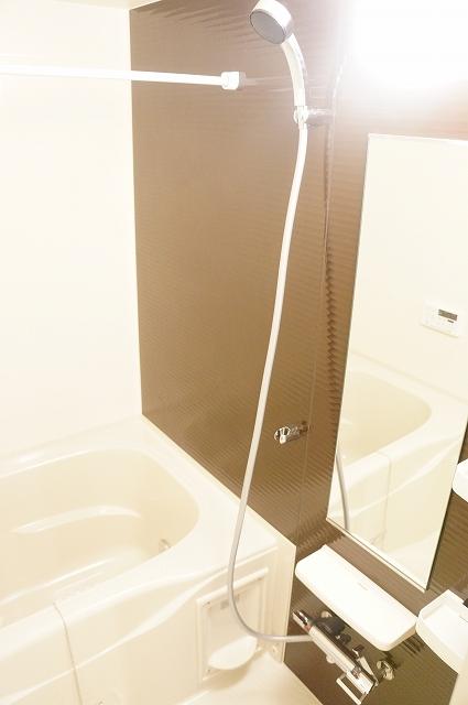 トロワボヌール西大宮 03050号室の風呂