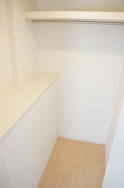 トロワボヌール西大宮 03050号室の収納