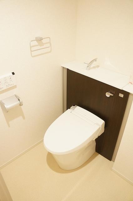 トロワボヌール西大宮 03050号室のトイレ