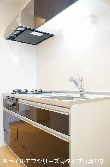 トロワボヌール西大宮 04050号室のキッチン