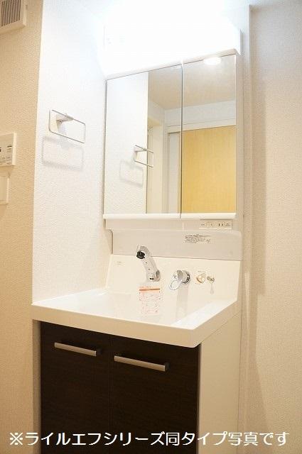 トロワボヌール西大宮 04050号室の洗面所