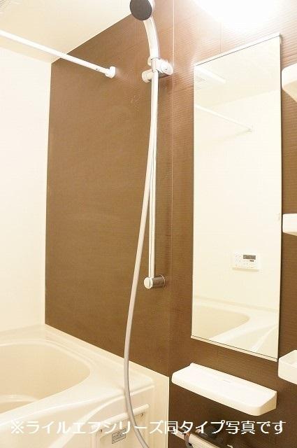 トロワボヌール西大宮 04050号室の風呂