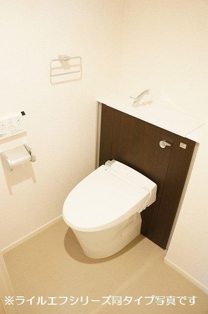トロワボヌール西大宮 04050号室のトイレ