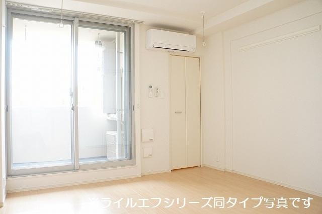 指扇マンション 05030号室の居室