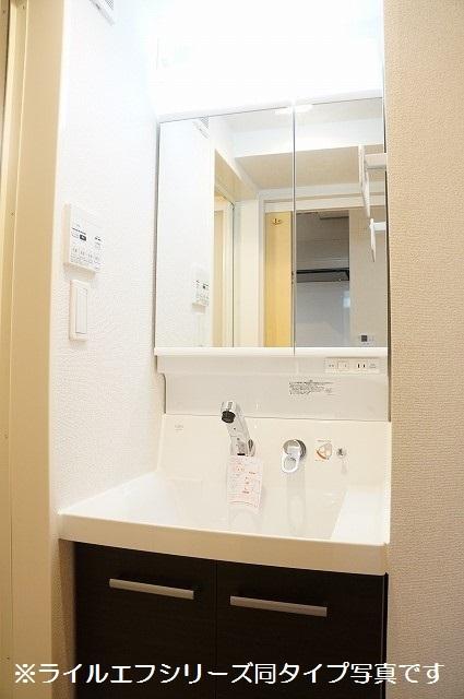 指扇マンション 05030号室の洗面所