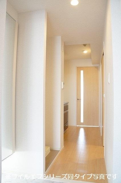 指扇マンション 05030号室の玄関