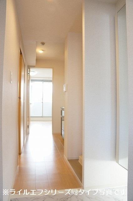 指扇マンション 05040号室の玄関