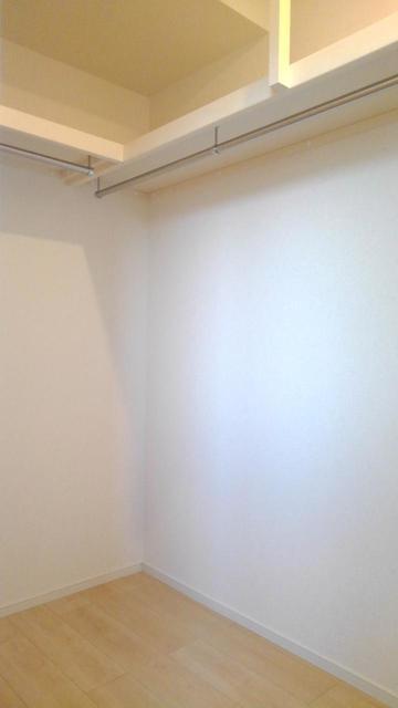 メルティングポット琴寄Ⅱ 02030号室の収納