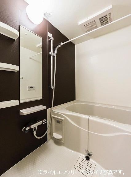 ユニゾン プリムローズⅡ 01030号室の風呂