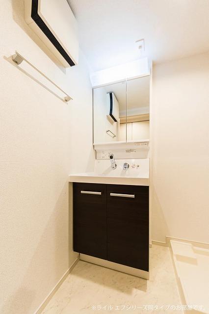 原市マンション 03050号室の洗面所