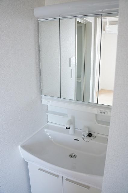シュティル ラフレシール 03010号室の洗面所