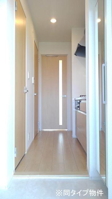 プロムローズST 01030号室の玄関