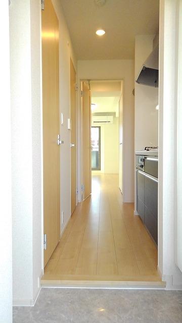 プロムローズST 02030号室の玄関