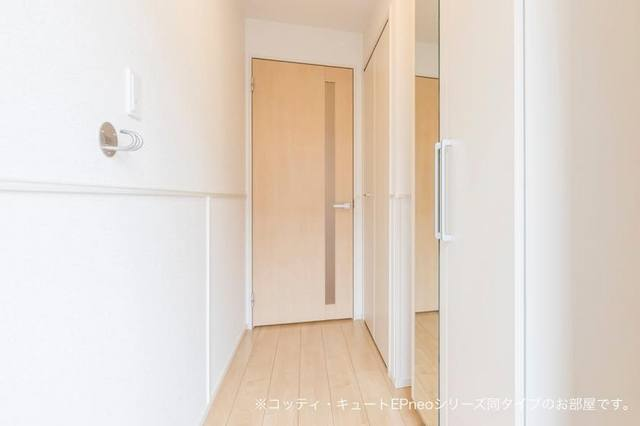 マローネⅢ 01010号室の玄関