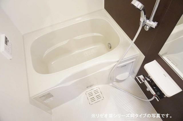 リーブル 01030号室の風呂