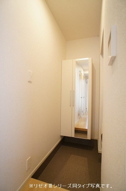 リーブル 02030号室の玄関