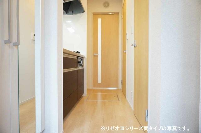 リーブル 03010号室の玄関