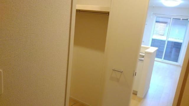 リベルテB 01010号室の収納