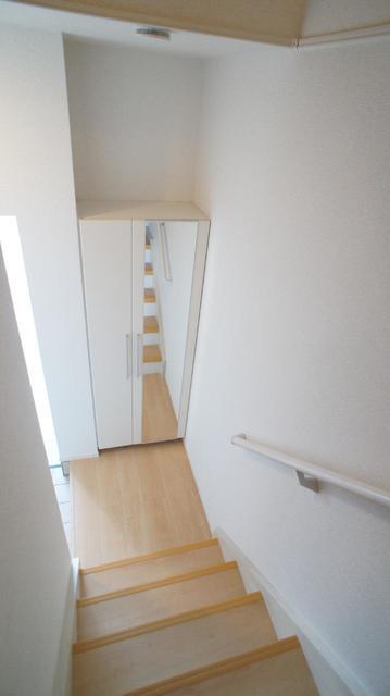 グランベルテⅤ 03050号室の玄関