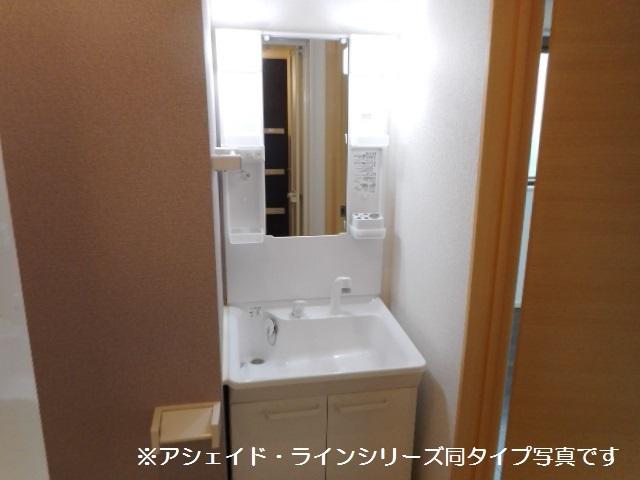 エクセレント タウン 02020号室の洗面所