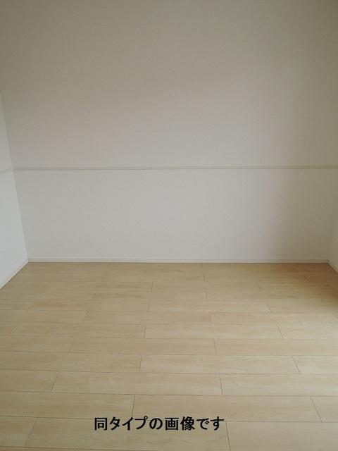 WIN12 02030号室のリビング