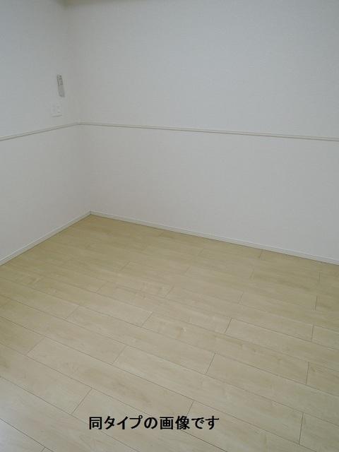 WIN12 02030号室の居室