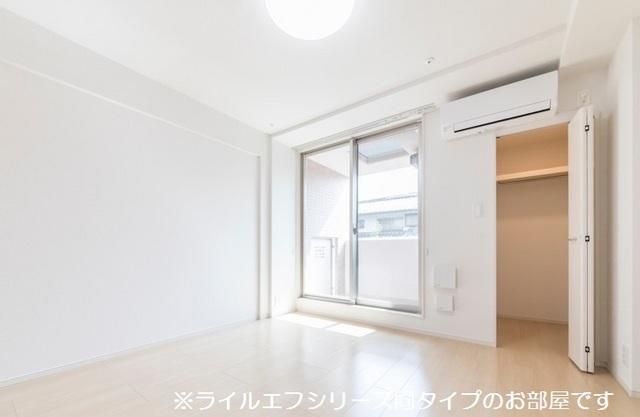 サニー・ブライト桜木 01020号室の居室