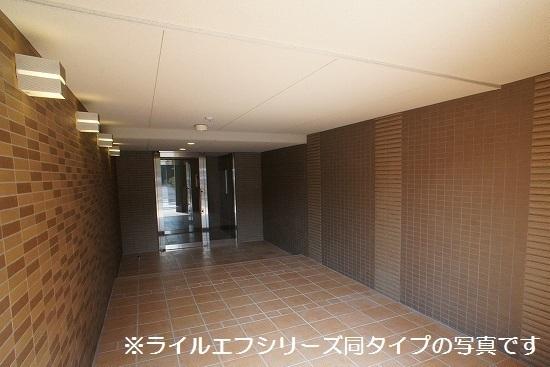 サニー・ブライト桜木 01020号室のエントランス