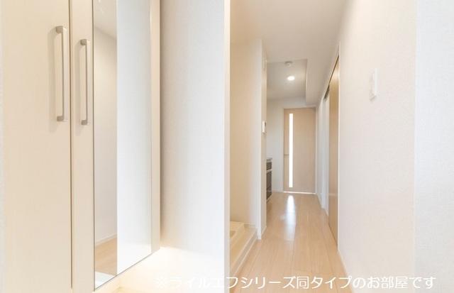 サニー・ブライト桜木 01020号室の玄関