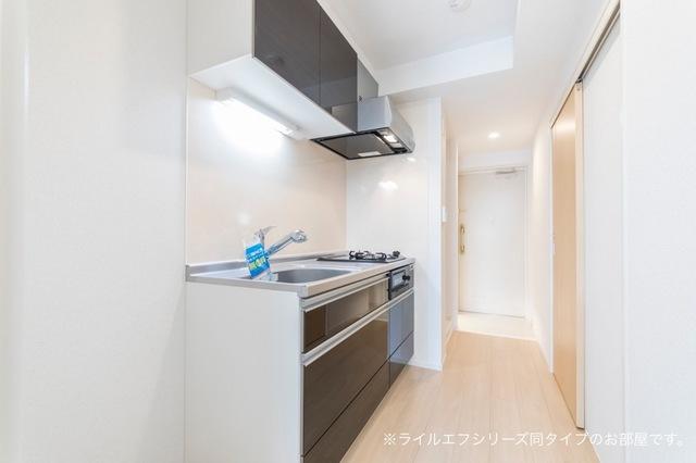 桜木町4丁目マンション 02030号室のキッチン
