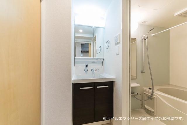 桜木町4丁目マンション 02030号室の洗面所