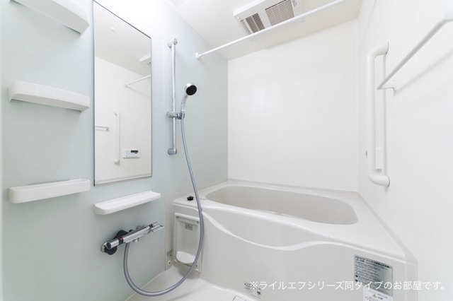桜木町4丁目マンション 02030号室の風呂