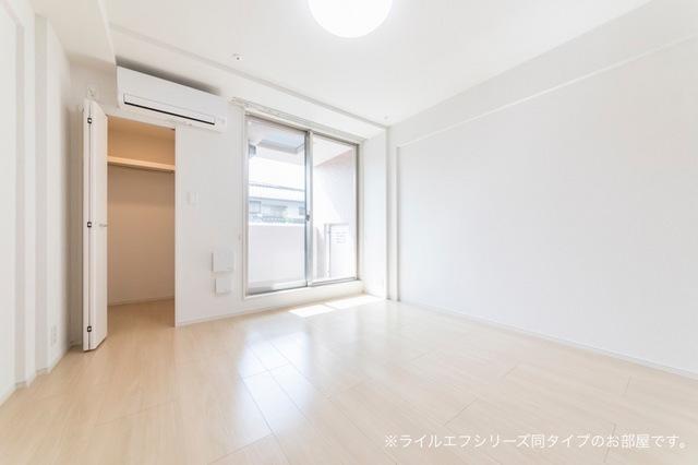 サニー・ブライト桜木 03030号室の居室