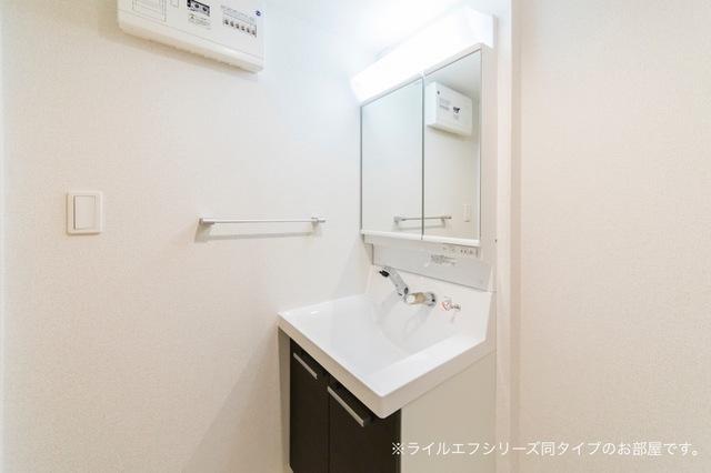桜木町4丁目マンション 03040号室の洗面所