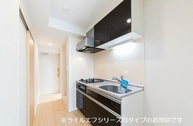 桜木町4丁目マンション 04020号室のキッチン