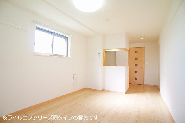 サニー・ブライト桜木 04040号室の居室