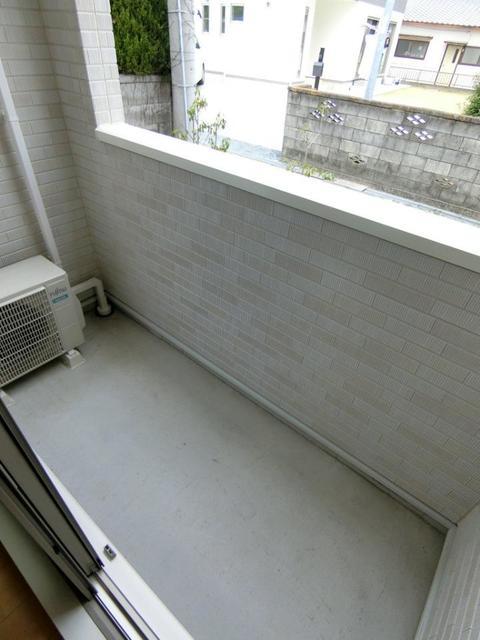 カーサ・エスクランⅡ 01030号室の駐車場