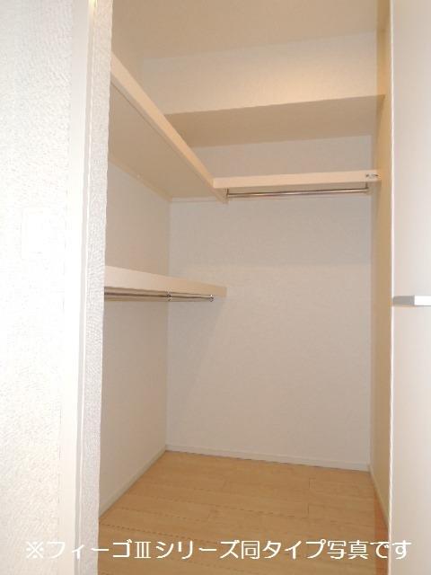 ブリリアント ガーデン 02040号室の収納