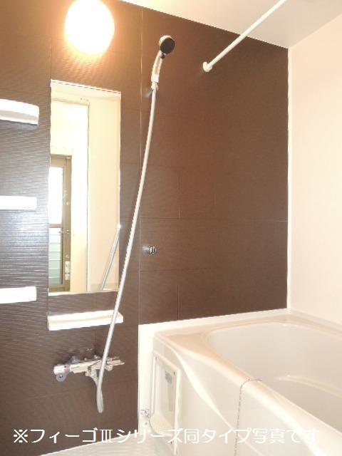ブリリアント ガーデン 03030号室の風呂
