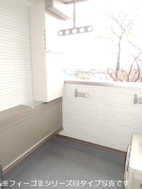 ブリリアント ガーデン 03030号室のバルコニー