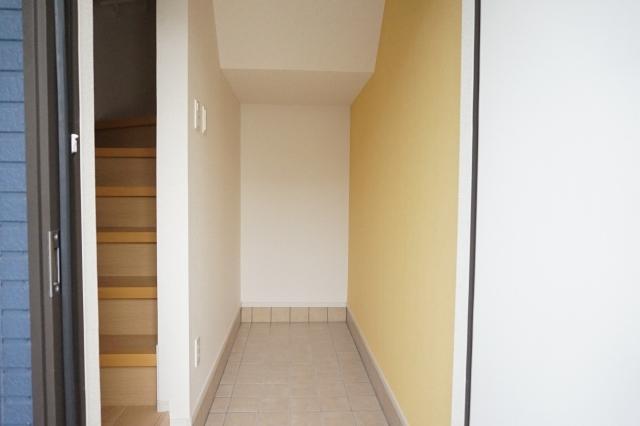ブリリアント ガーデン 03040号室の玄関