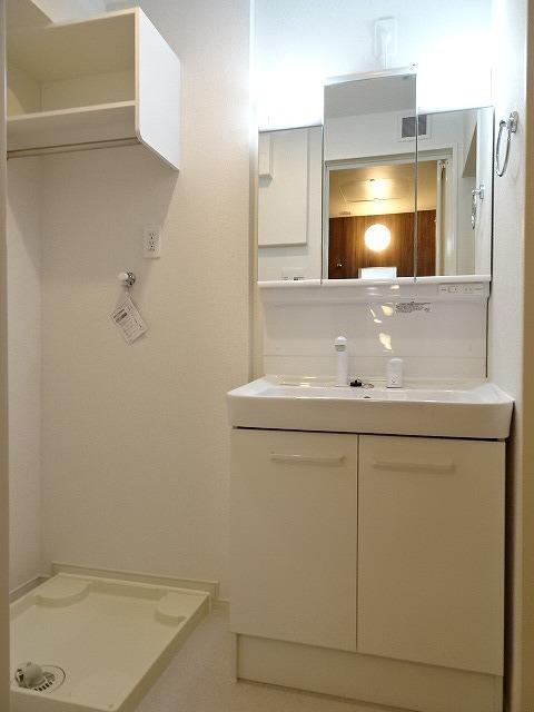 サニーコート駿河台 02020号室の洗面所