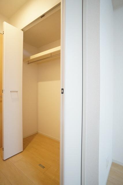 ブッシュ クローバー Ⅶ 01030号室の収納